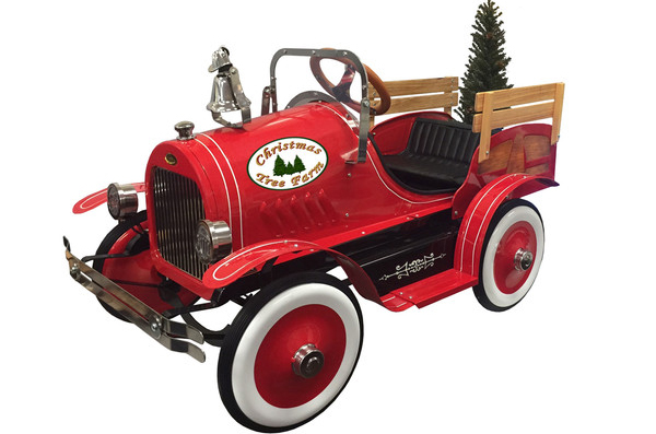 holiday pedal car show at johnny martin's
